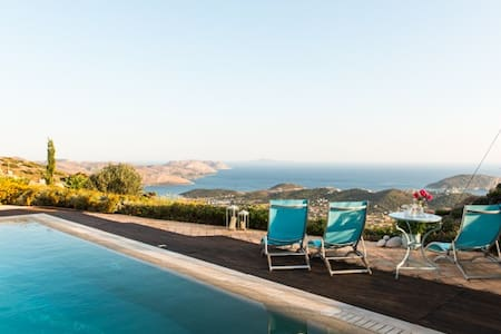 Villa w/Pool #1 on the Athens coast - Saronida