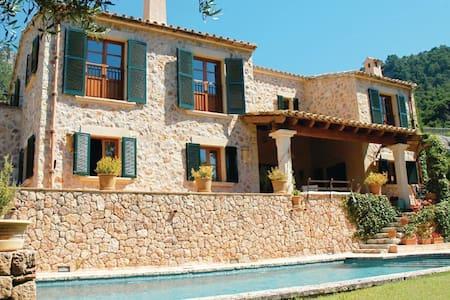 4 Bedrooms Home in Valldemossa - Valldemossa