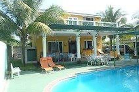 Linda Casa de Playa, house at the beach!!!!! - House
