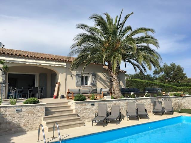 Villa vue mer avec piscine Golfe de Saint-Tropez