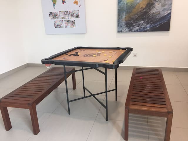 Studio suite seaview & pool view with parking - Jelutong - Appartement