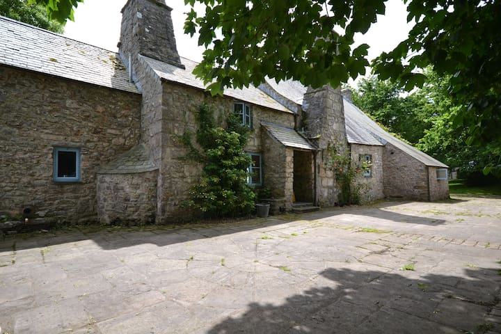 Medieval Welsh Farmhouse - Pembroke - Other