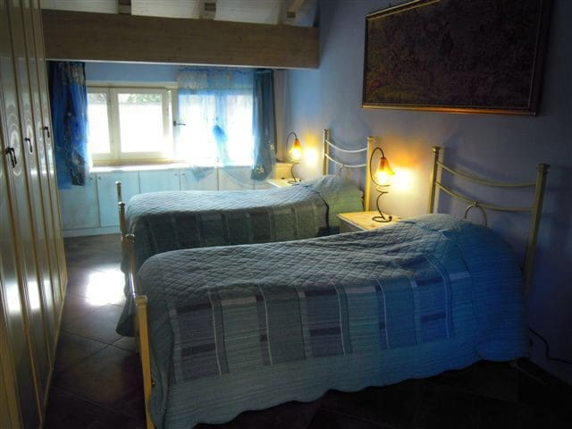 Villa Mery camera Iris - Casale Monferrato - Bed & Breakfast
