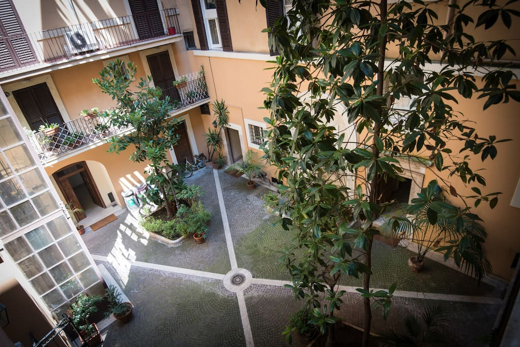 Assunta domus luxury home apartments for rent in rome for Domus building cleaning