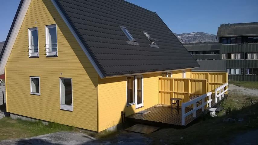 Greenland Sun Apartment - Nuuk - Casa