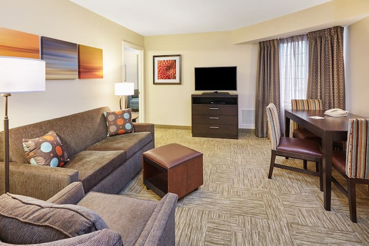 """In """"The Glen"""" Business District 
