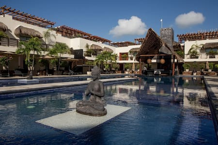 Condohotel Aldea Thaï Luxury, Mamitas Beach + Pool