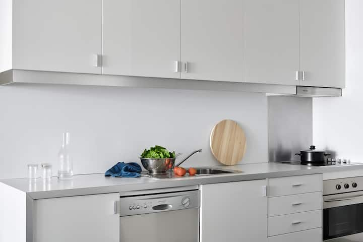 Williamstown Two Bedroom Apartment - 14+ Nights