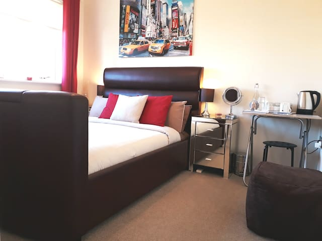 Luxury Room with Private Bathroom - Inverness