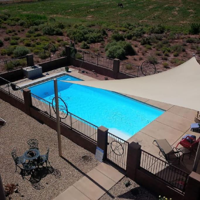 Great swimming pool and patio area. Pool is open April 15 - Nov 1