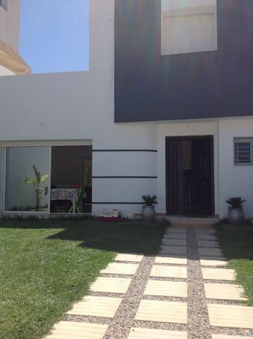 Tres beau duplexe   neuf - Hammamet - Huis