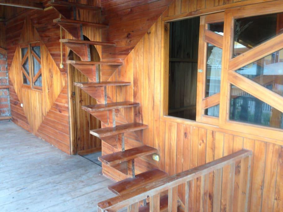 Excelente para los que gustan de la elegancia de la madera