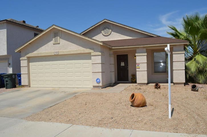 Comfortable Westside Home Near Everything!!!