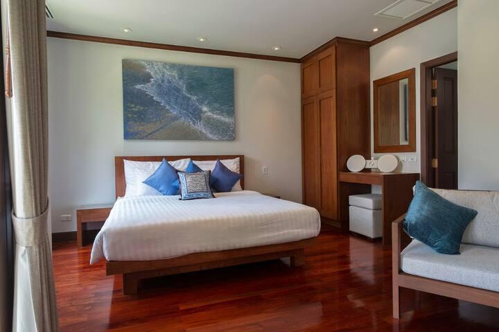Garden suite main bedroom 4 / living