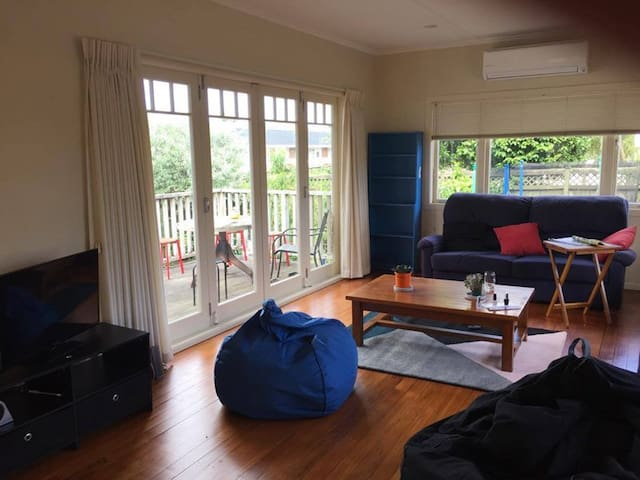 Double room close to airport & CBD - Auckland