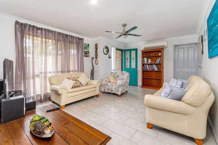 Delightful Duplex on Rose Ct, Bongaree