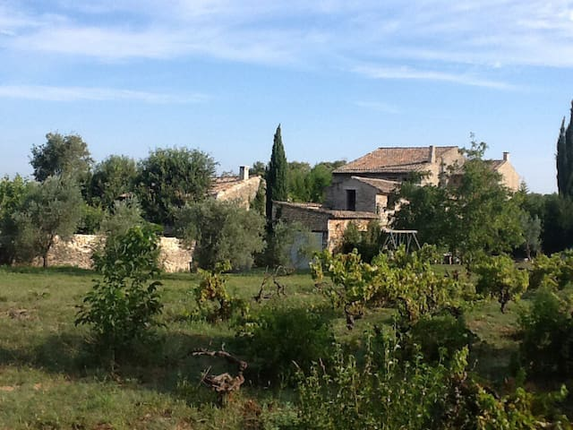 Beautiful traditonal Provencal farmhouse - Ménerbes - Hus