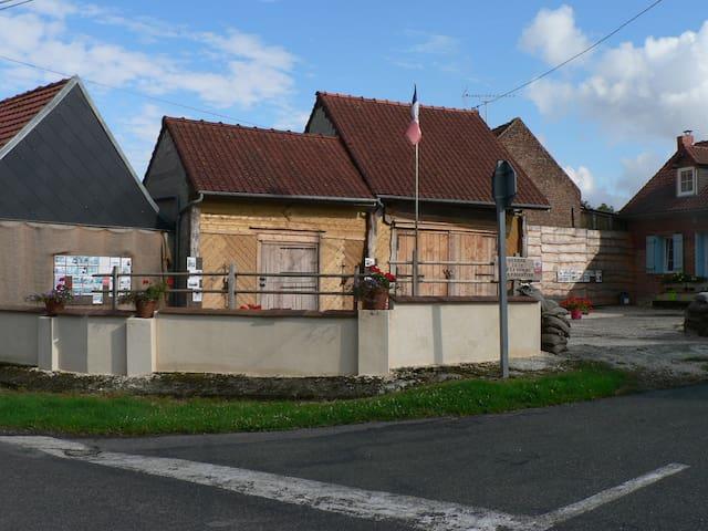 Fermette reconstituée art déco 1922 - Boussicourt - House