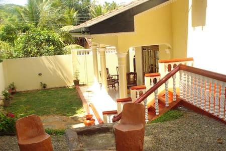 Grande maison typique confortable   - HOMAGAMA