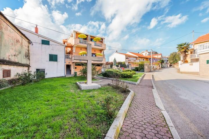 Lovely Holiday Home in Posedarje with Balcony