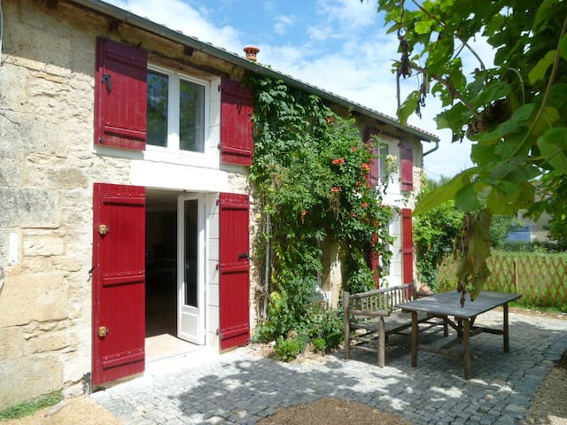 Charming ancient Cottage - Dordogne - Champagnac-de-Belair - Huis