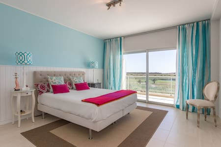 Luxury apartment: golf and sea view - Loulé