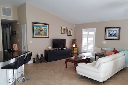 Beautiful, 1BR/Bath near Juno Beach, golf,shopping - North Palm Beach