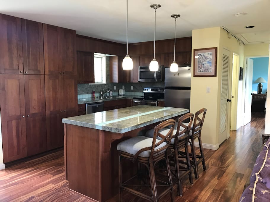 Fully remodeled kitchen and bathroom, very well stocked, organized, clean, open floor plan.