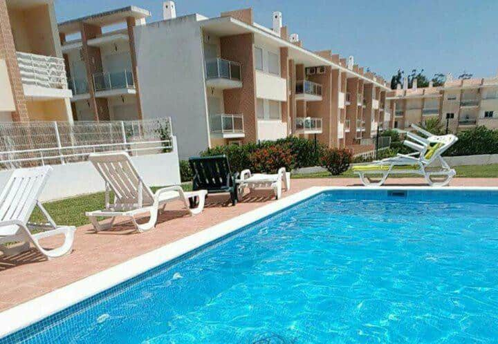 Holidays in Alvor Apt T3 150M with pool WIFI 6 pax