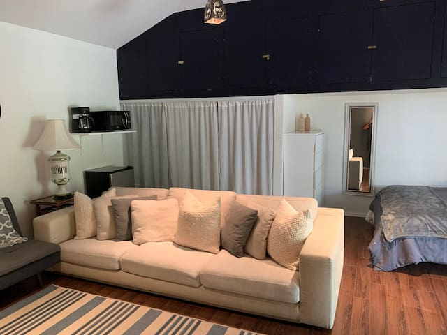 Secluded Guesthouse Prime LA