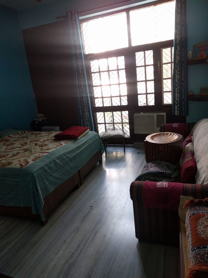 Family home in Noida Suitable for 2