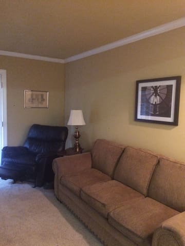Entire 1BR Apartment in Homewood - Homewood - Appartement