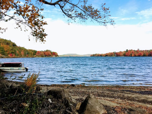 Acadia Lake House: Dawn to Dusk Beauty