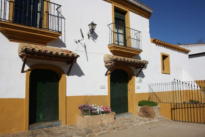 Casa Rural El Molino Chirrión - Cazalla de la Sierra - Hus