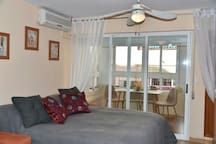 Cozy studio flat 1min away from the sea