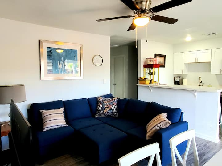 Modern Apartment in Old Town Scottsdale - 3 Bed