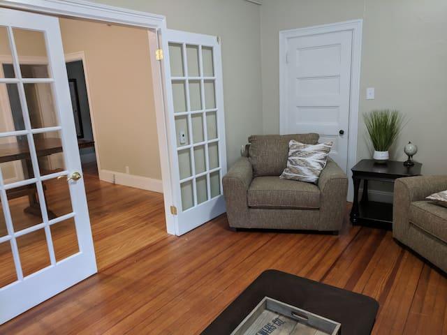 Spacious updated 3 Bedroom on Pitt St. USM area