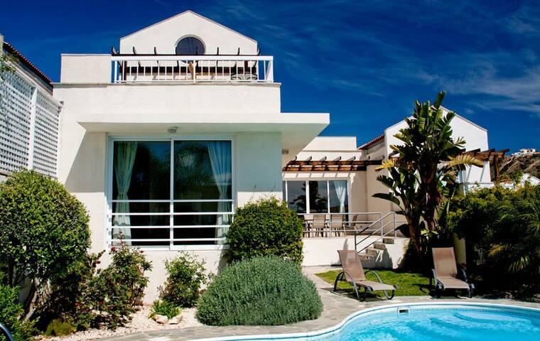 Anastasia Villa - lovely villa close to beach