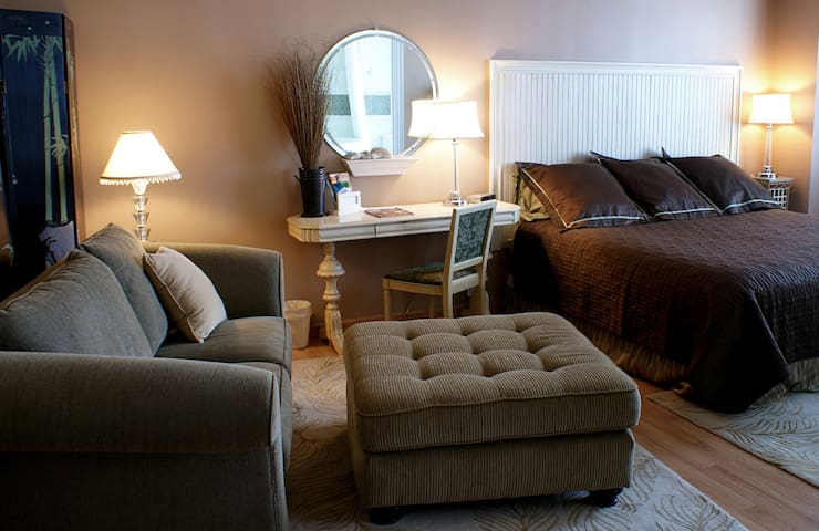 Fountainview Inn - Suite 307