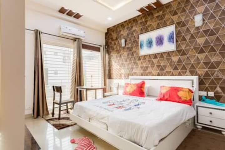 Independent Villa in Greater Noida