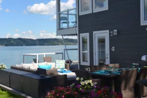 Waterfront Vacation Rental - Katepwa Lake