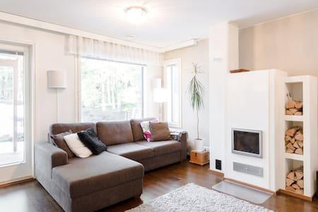 Modern 3 bedroom HOUSE, sauna, garden, nature view - Espoo - House