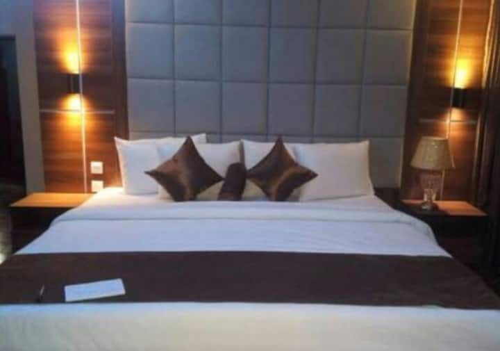 Luxurious Boutiqu Hotel Apartment close to Airport