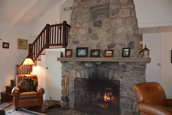 Pocono Mountain Getaway Sleeps 10+ - Cresco - House