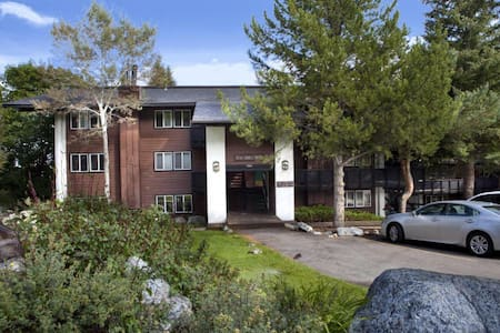 Mountainside Condo in Teton Village
