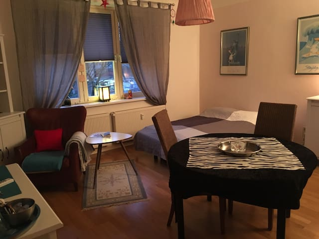 Centrally located room near park with own bathroom - Hamburgo - Apartamento