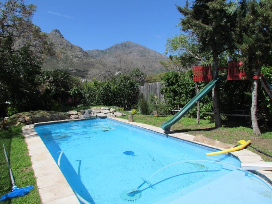 Pool with mountain view (fenced)