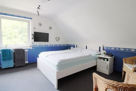 Inexpensive and comfy room at Eifel National Park