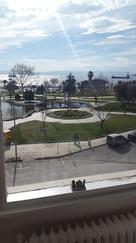 Rent a room in Kartal - A family flat