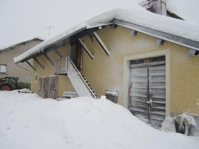 HAUT JURA - Les Chalesmes - House